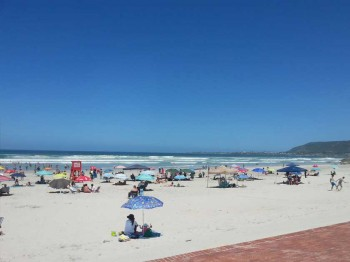 grotto-beach-hermanus
